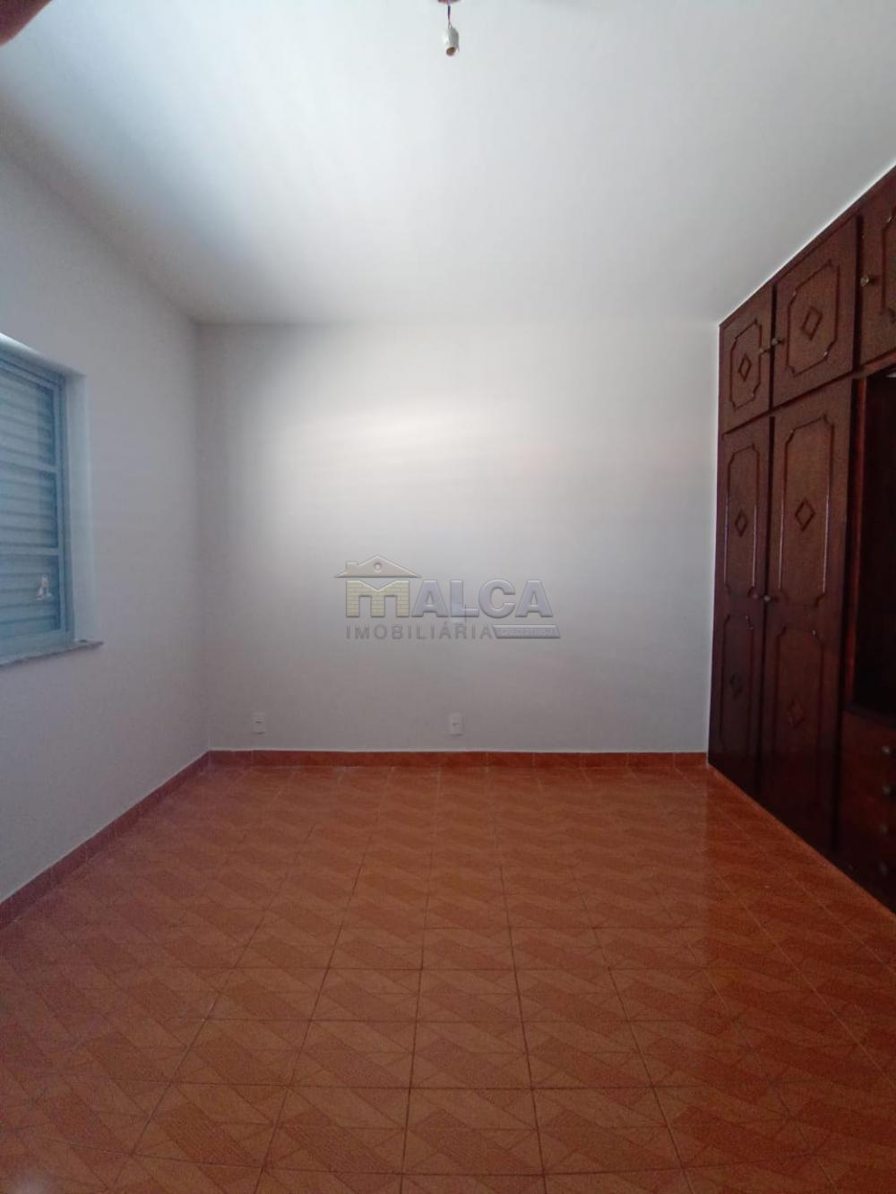 Alugar Casas / Padrão em São José do Rio Pardo apenas R$ 2.500,00 - Foto 18