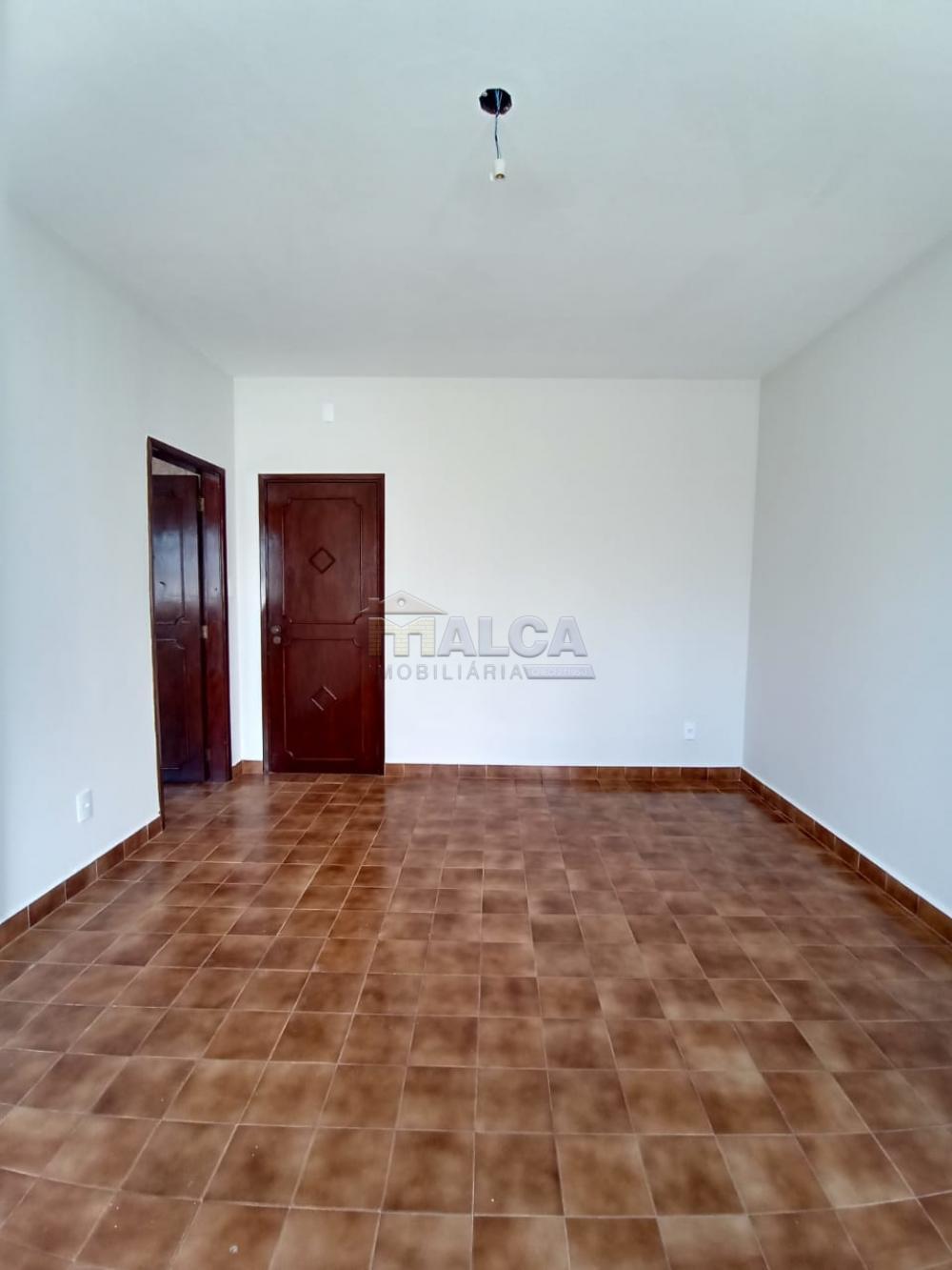 Alugar Casas / Padrão em São José do Rio Pardo apenas R$ 2.500,00 - Foto 19