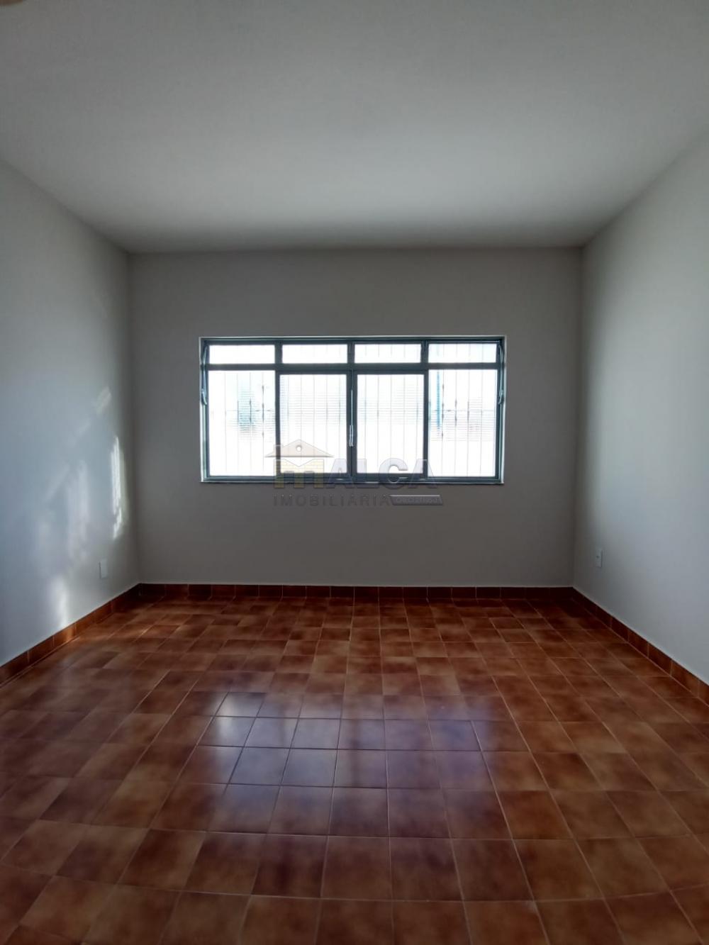 Alugar Casas / Padrão em São José do Rio Pardo apenas R$ 2.500,00 - Foto 20