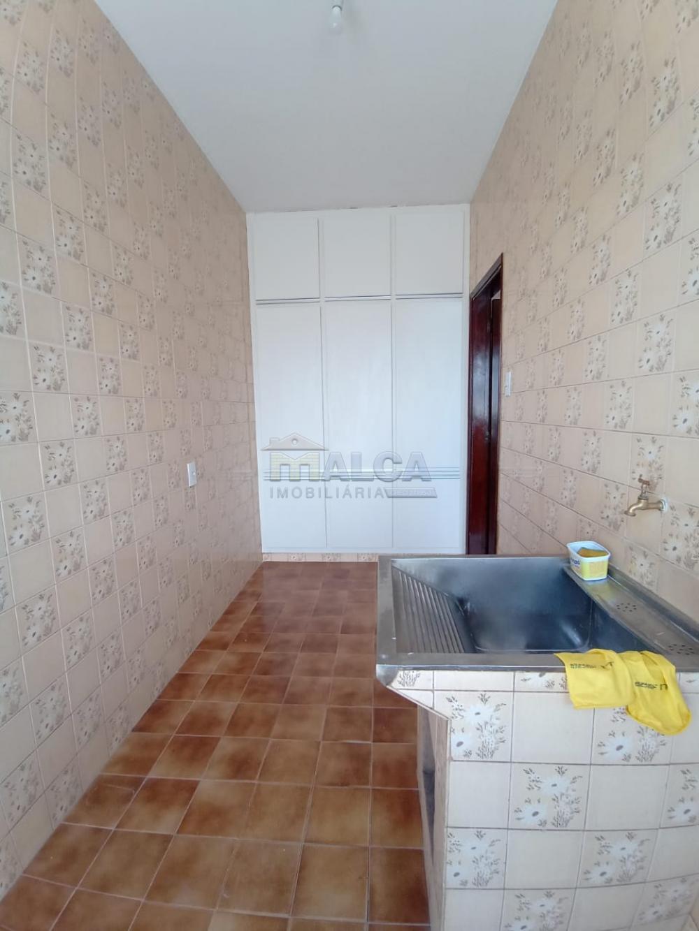 Alugar Casas / Padrão em São José do Rio Pardo apenas R$ 2.500,00 - Foto 23