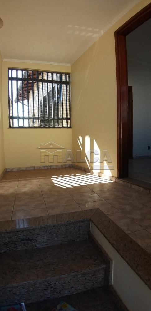 Comprar Casas / Padrão em São José do Rio Pardo apenas R$ 420.000,00 - Foto 2