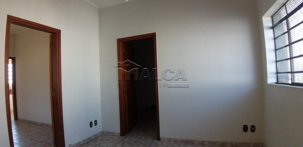 Comprar Casas / Padrão em São José do Rio Pardo apenas R$ 420.000,00 - Foto 3