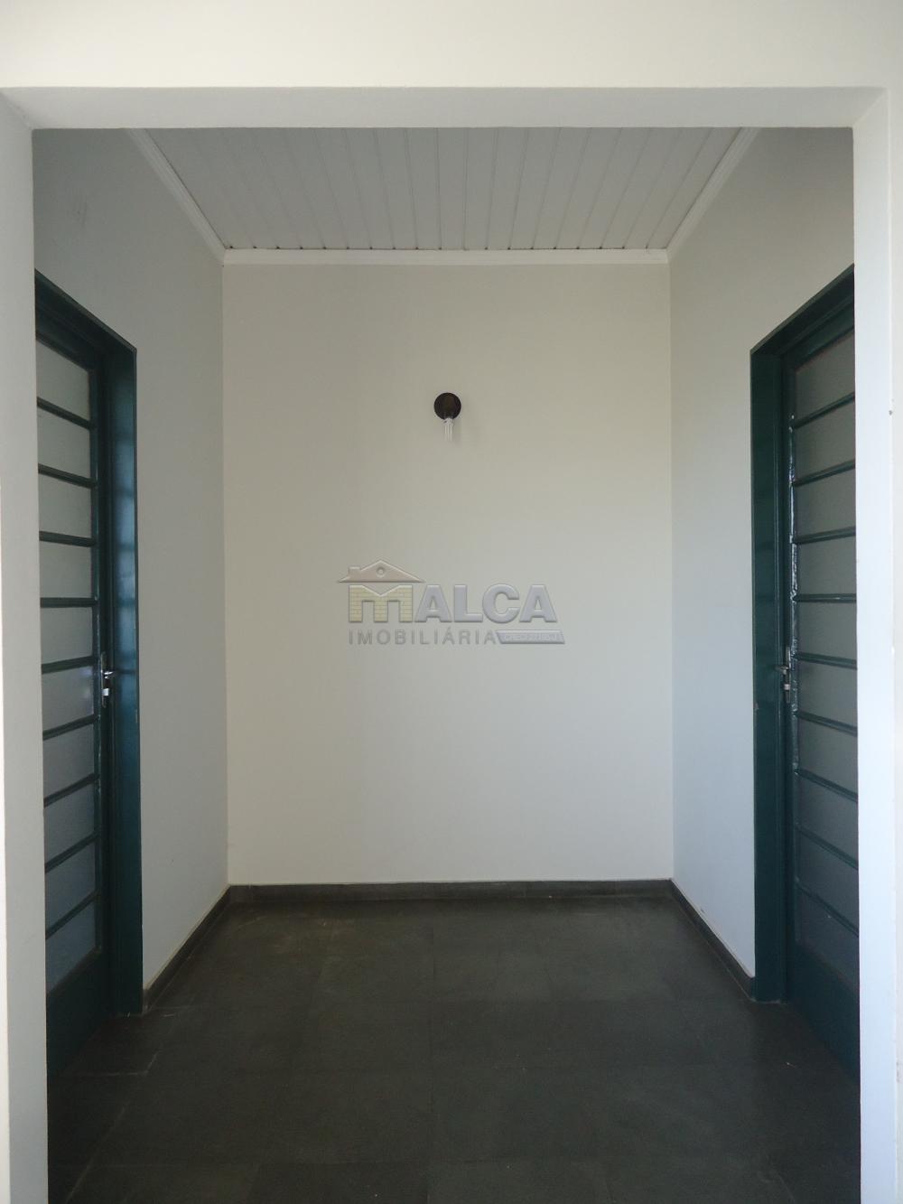 Alugar Apartamentos / Padrão em São José do Rio Pardo apenas R$ 700,00 - Foto 4