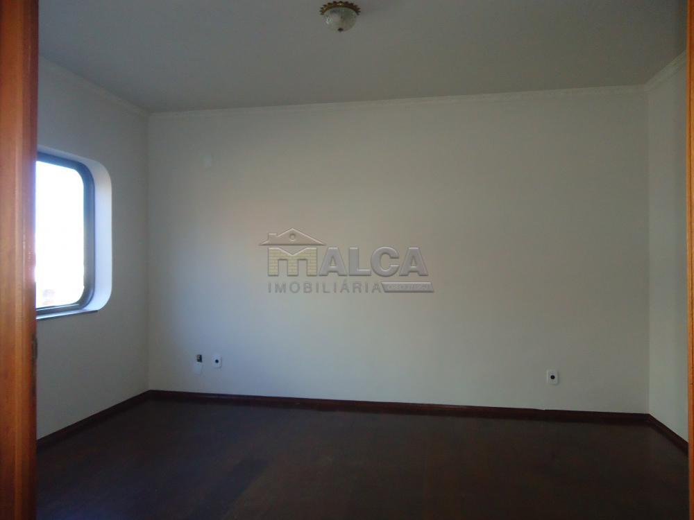 Alugar Casas / Padrão em São José do Rio Pardo apenas R$ 5.500,00 - Foto 6