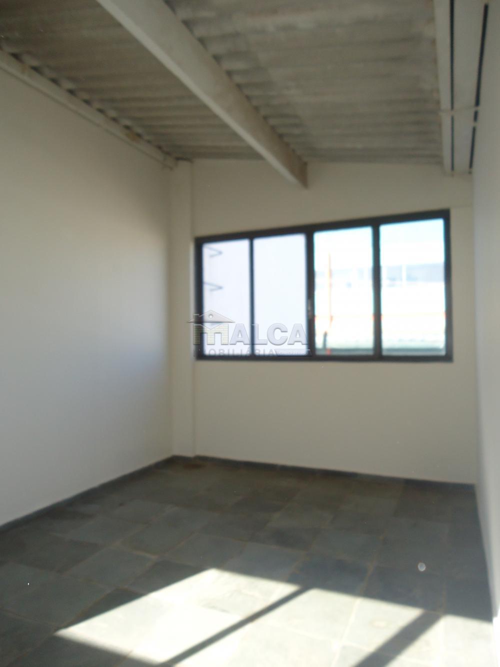 Alugar Casas / Padrão em São José do Rio Pardo apenas R$ 5.500,00 - Foto 40