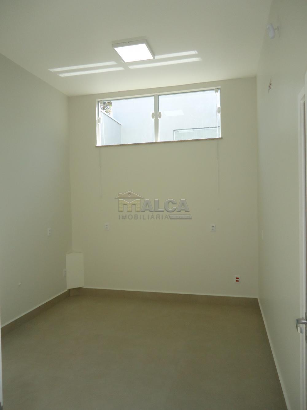 Alugar Comerciais / Salas em São José do Rio Pardo R$ 1.120,00 - Foto 9