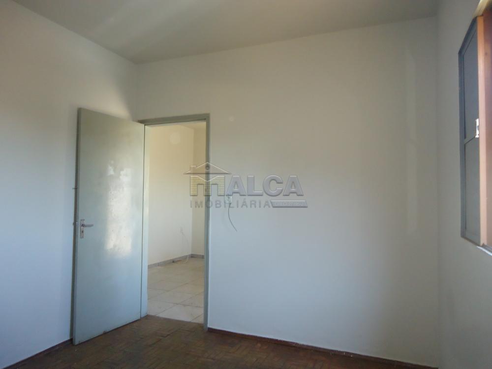 Alugar Casas / Padrão em São José do Rio Pardo apenas R$ 650,00 - Foto 9