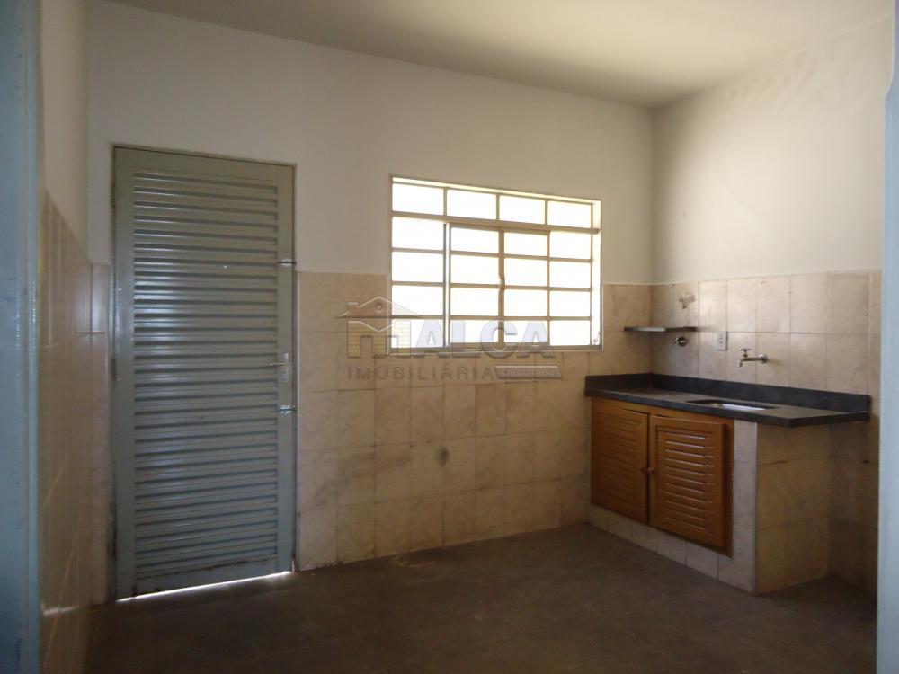 Alugar Casas / Padrão em São José do Rio Pardo apenas R$ 650,00 - Foto 16