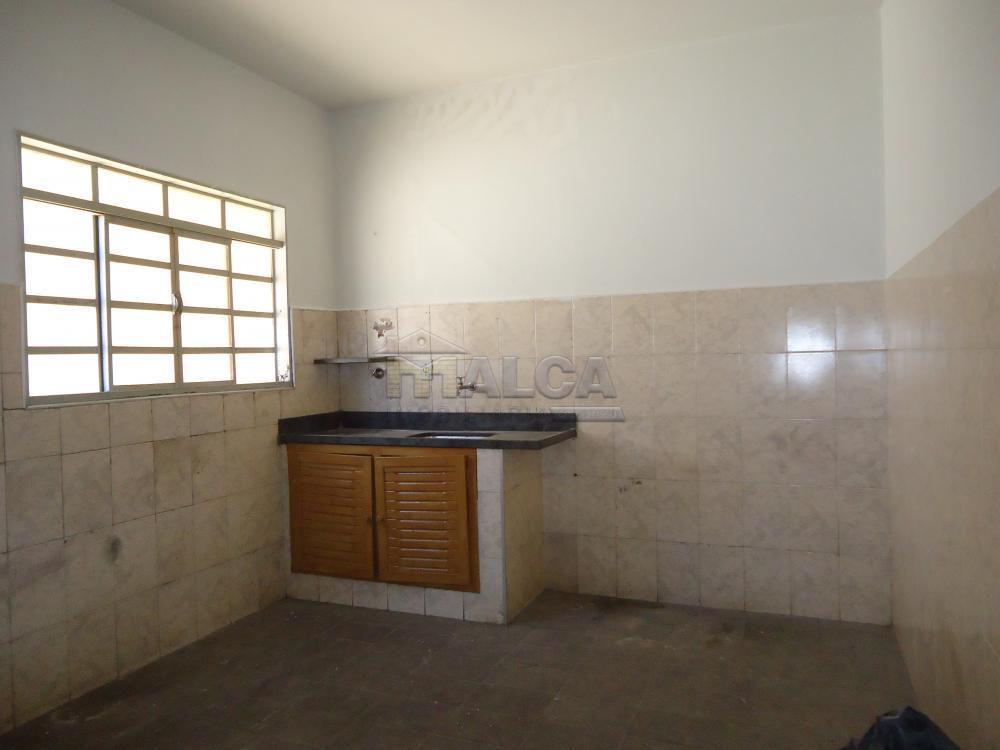 Alugar Casas / Padrão em São José do Rio Pardo apenas R$ 650,00 - Foto 17