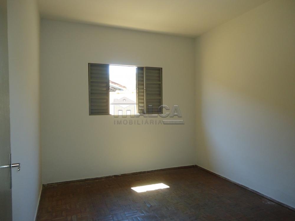 Alugar Casas / Padrão em São José do Rio Pardo apenas R$ 650,00 - Foto 14