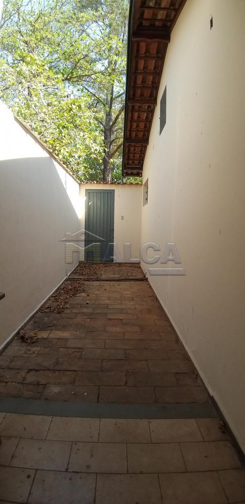 Comprar Casas / Padrão em São José do Rio Pardo apenas R$ 350.000,00 - Foto 24