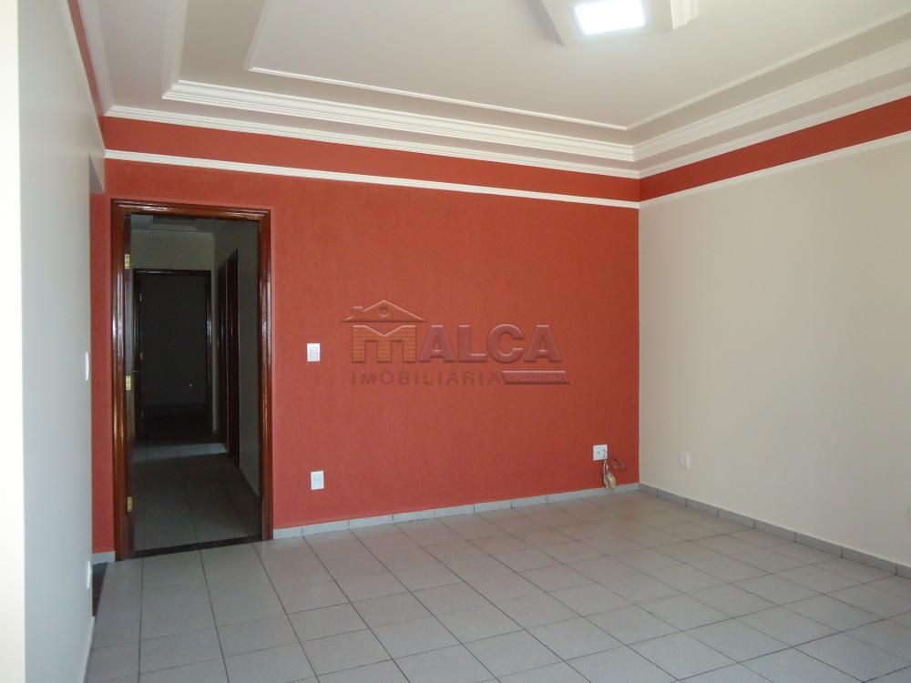 Alugar Casas / Padrão em São José do Rio Pardo apenas R$ 2.450,00 - Foto 9