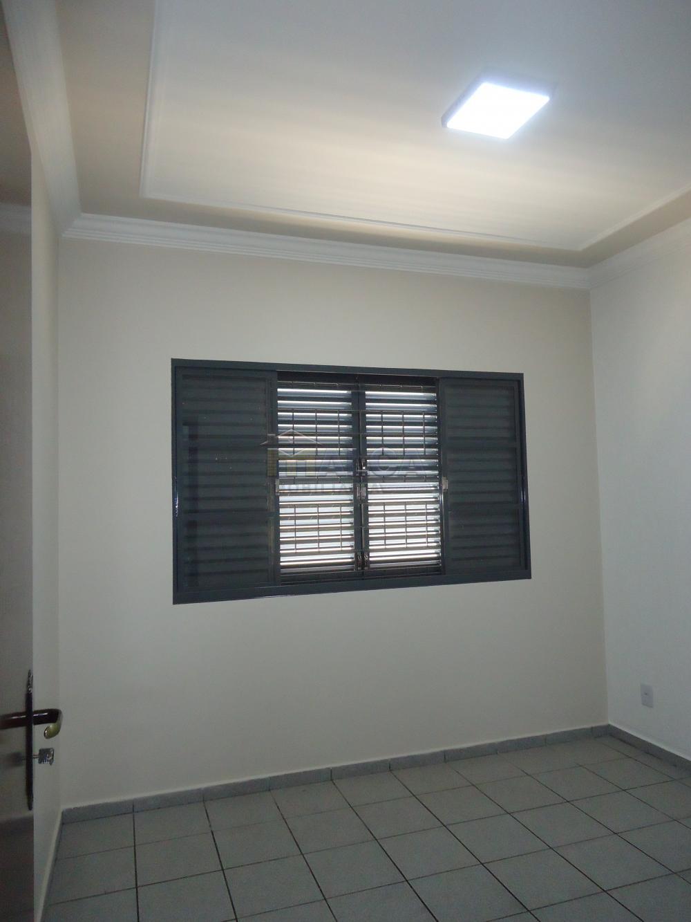 Alugar Casas / Padrão em São José do Rio Pardo apenas R$ 2.450,00 - Foto 14
