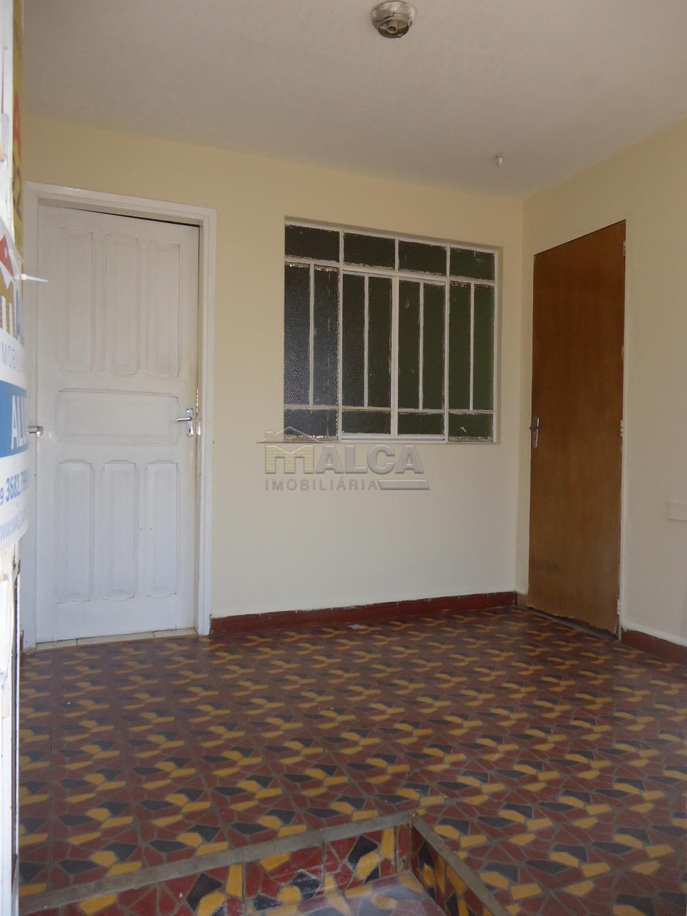 Alugar Casas / Padrão em São José do Rio Pardo apenas R$ 790,00 - Foto 4