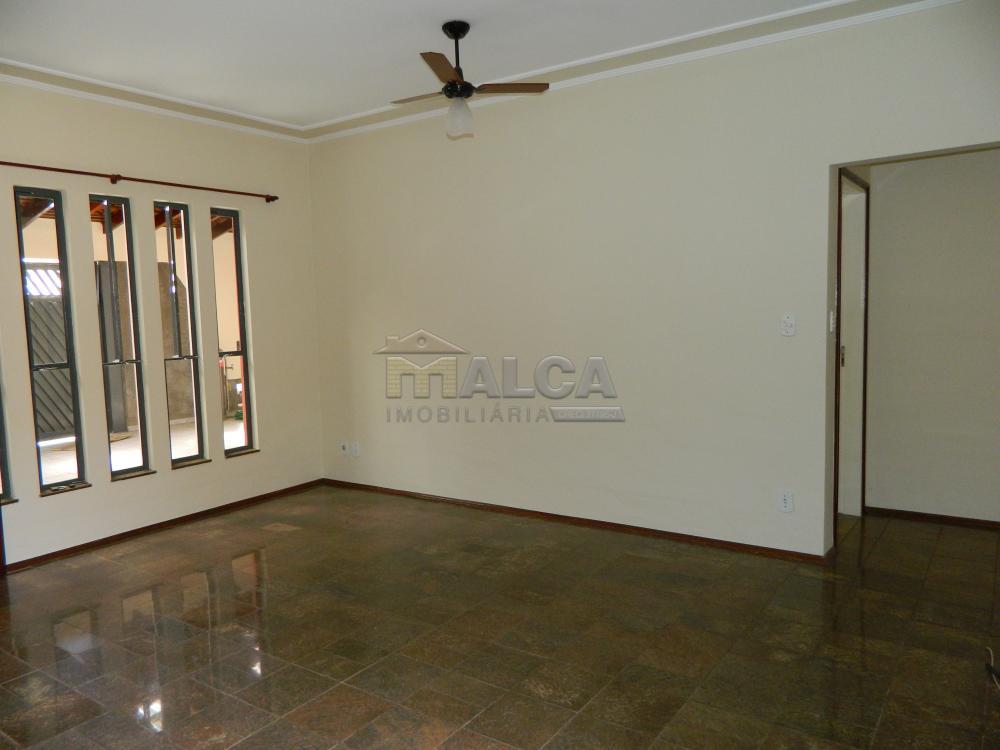 Alugar Casas / Padrão em São José do Rio Pardo apenas R$ 2.225,00 - Foto 7