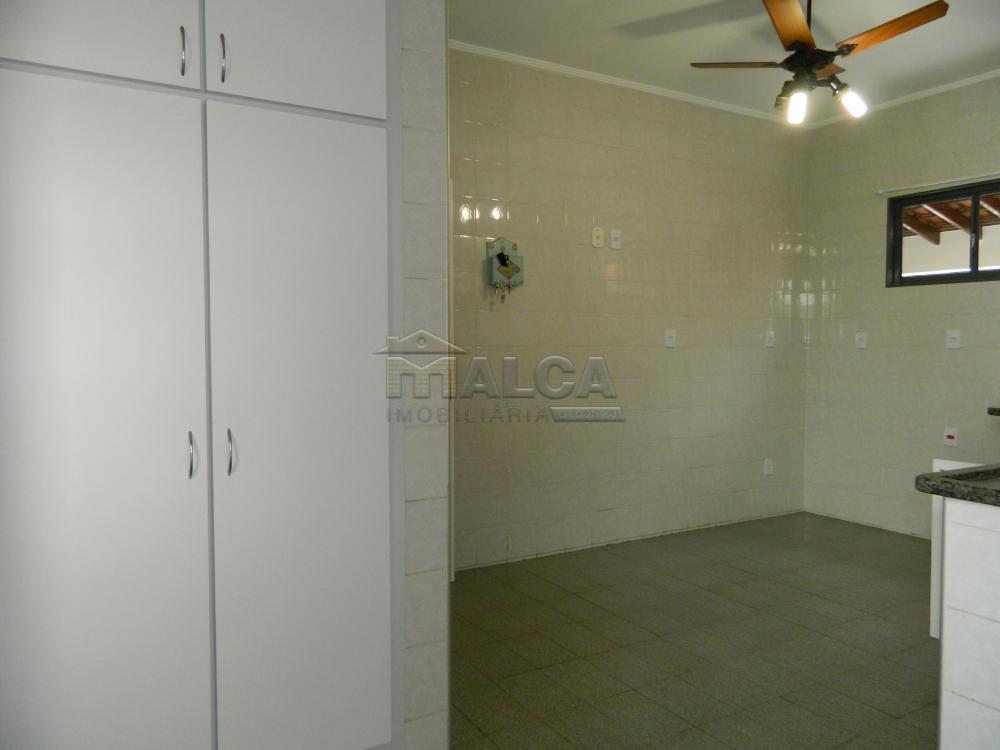 Alugar Casas / Padrão em São José do Rio Pardo apenas R$ 2.225,00 - Foto 12