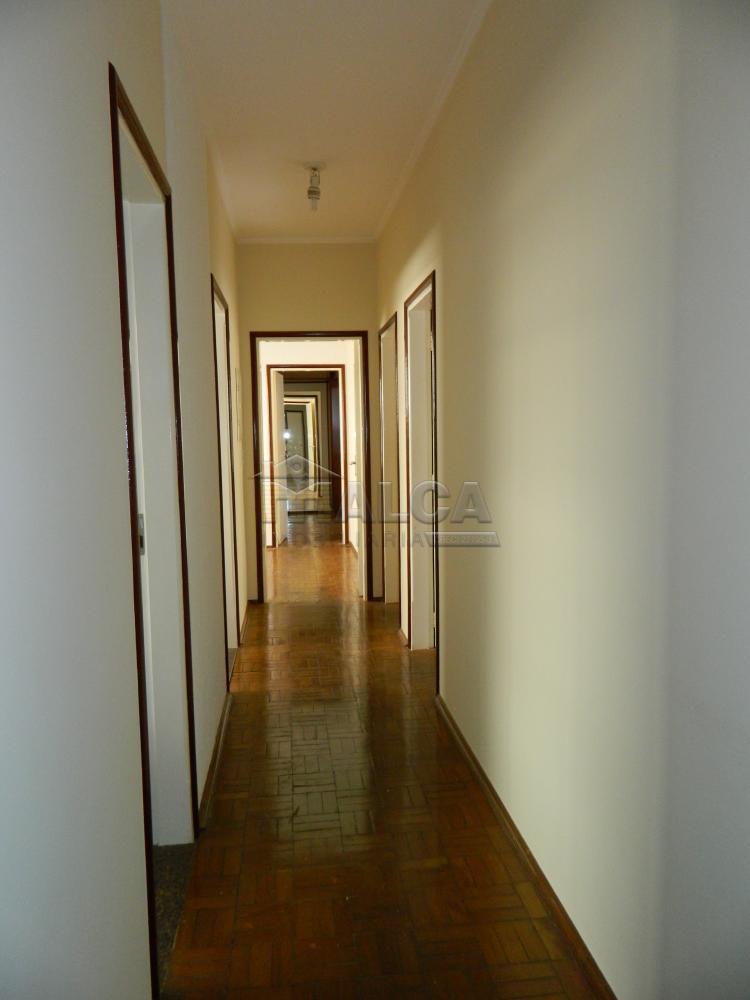 Alugar Casas / Padrão em São José do Rio Pardo apenas R$ 2.225,00 - Foto 13