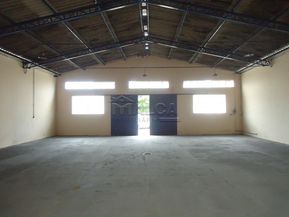 Alugar Comerciais / Barracões em São José do Rio Pardo apenas R$ 1.800,00 - Foto 4