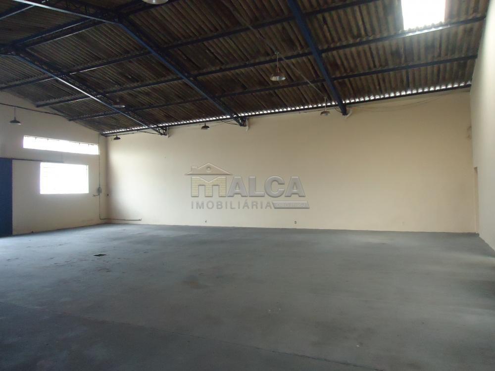 Alugar Comerciais / Barracões em São José do Rio Pardo R$ 1.800,00 - Foto 3