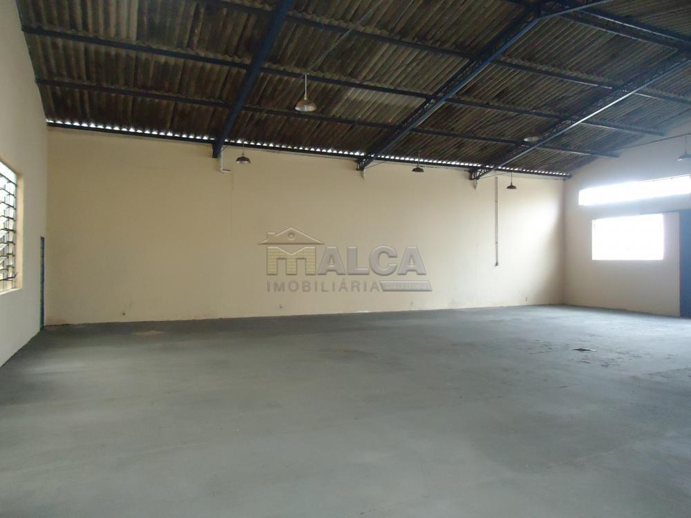 Alugar Comerciais / Barracões em São José do Rio Pardo apenas R$ 1.800,00 - Foto 5