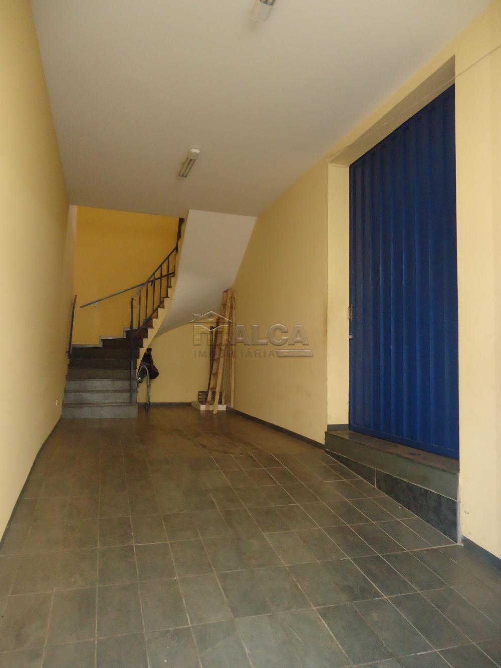 Alugar Casas / Sobrado em São José do Rio Pardo apenas R$ 2.000,00 - Foto 2