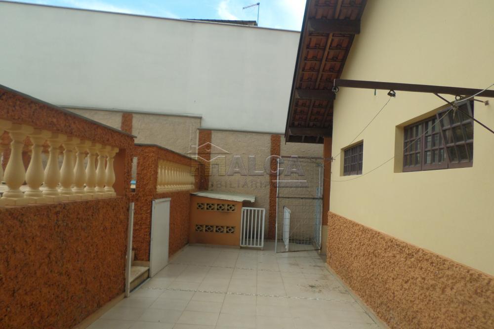 Alugar Casas / Padrão em São José do Rio Pardo R$ 2.000,00 - Foto 19