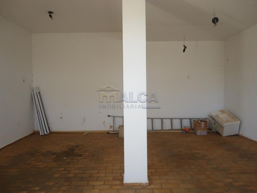 Alugar Apartamentos / Padrão em São José do Rio Pardo R$ 950,00 - Foto 3