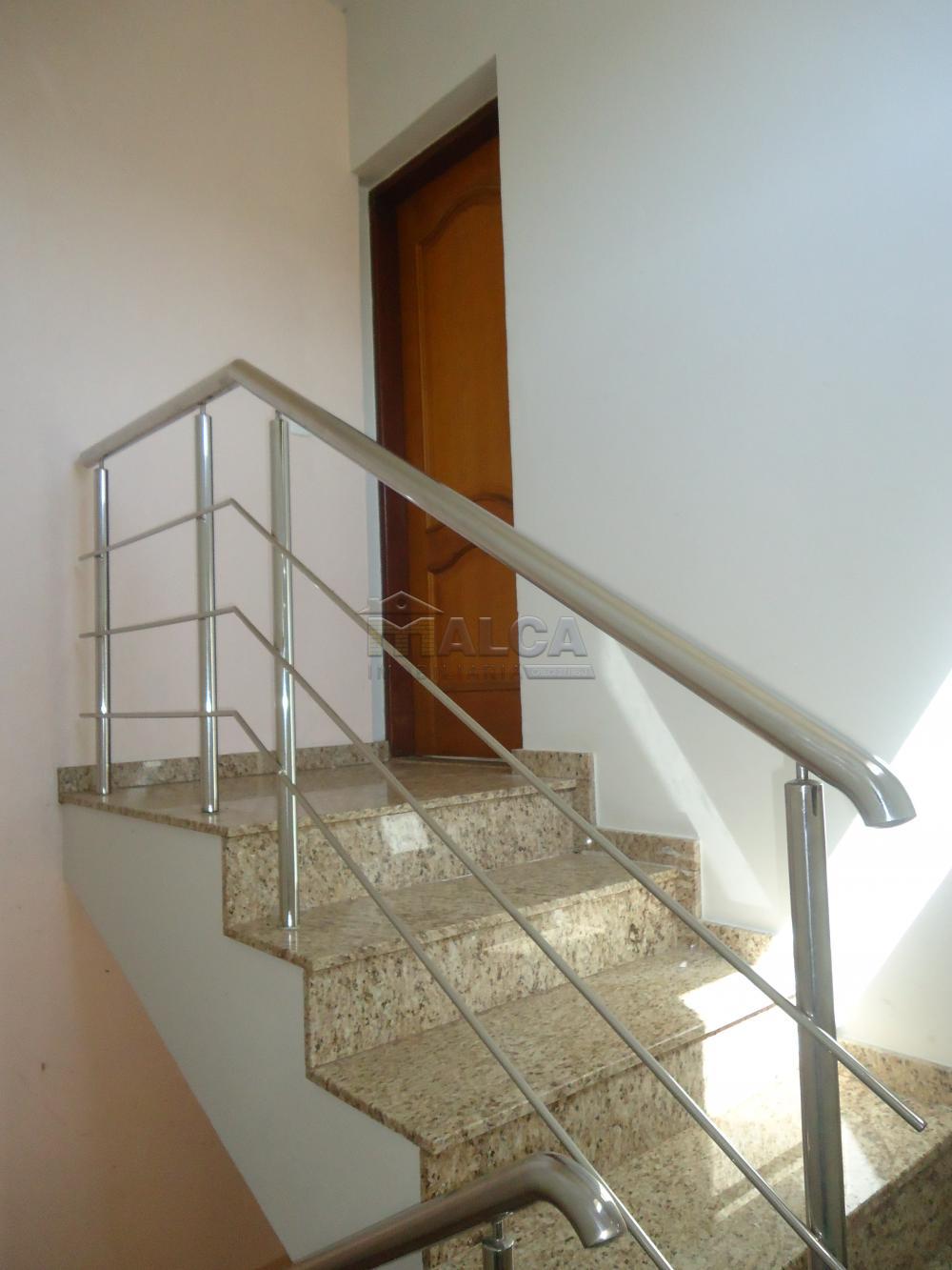 Alugar Apartamentos / Padrão em São José do Rio Pardo R$ 950,00 - Foto 6