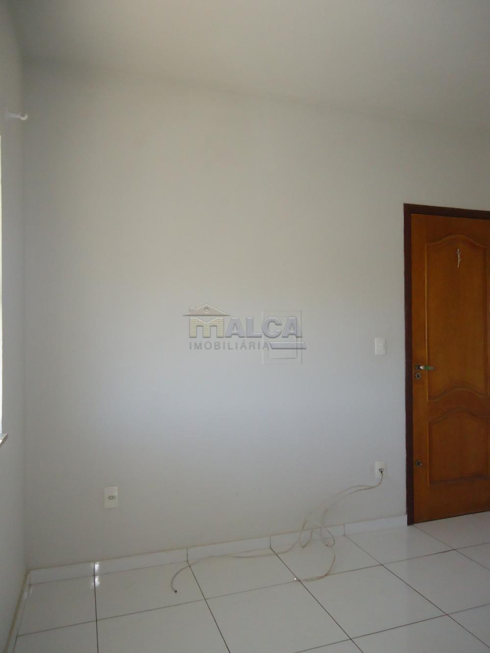Alugar Apartamentos / Padrão em São José do Rio Pardo R$ 950,00 - Foto 9