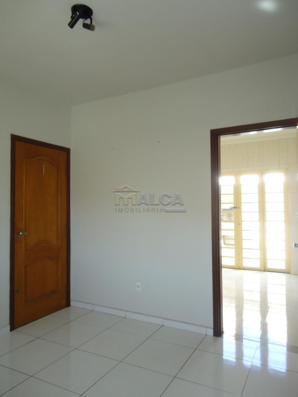 Alugar Apartamentos / Padrão em São José do Rio Pardo R$ 950,00 - Foto 10