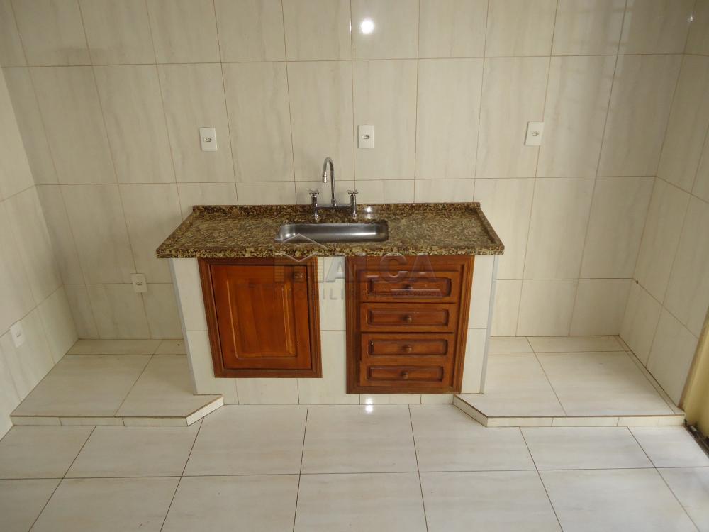 Alugar Apartamentos / Padrão em São José do Rio Pardo R$ 950,00 - Foto 13