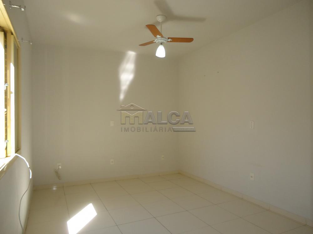 Alugar Apartamentos / Padrão em São José do Rio Pardo R$ 950,00 - Foto 23