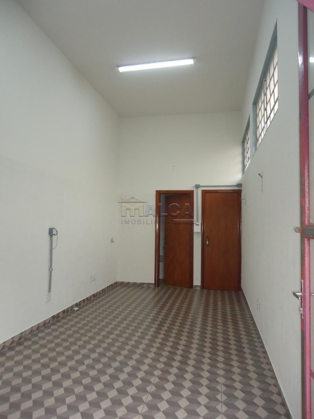 Alugar Comerciais / Salas em São José do Rio Pardo R$ 700,00 - Foto 2