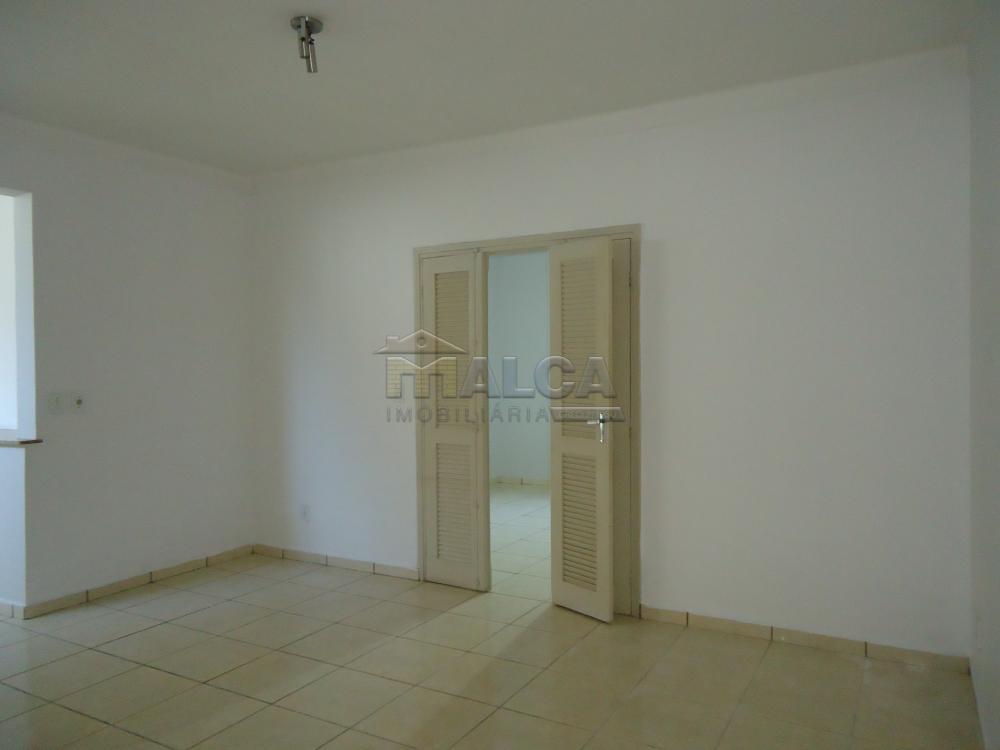 Alugar Casas / Padrão em São José do Rio Pardo R$ 1.300,00 - Foto 7
