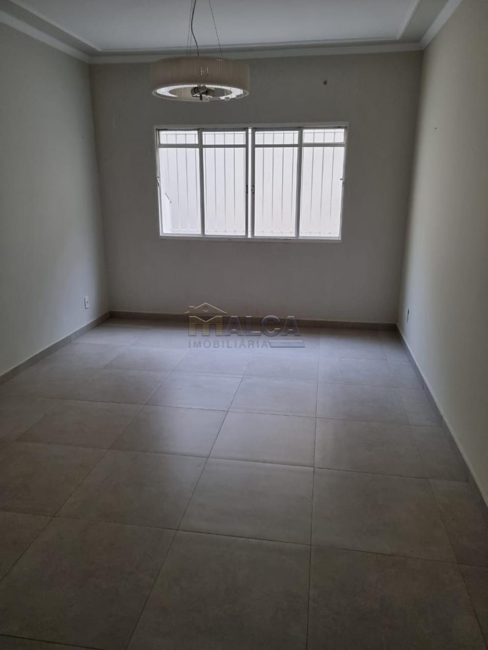 Alugar Casas / Padrão em São José do Rio Pardo R$ 2.950,00 - Foto 7