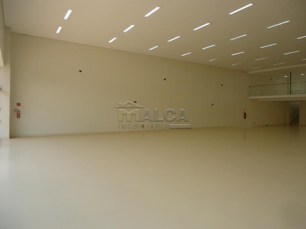 Alugar Comerciais / Salões em São José do Rio Pardo apenas R$ 13.500,00 - Foto 5