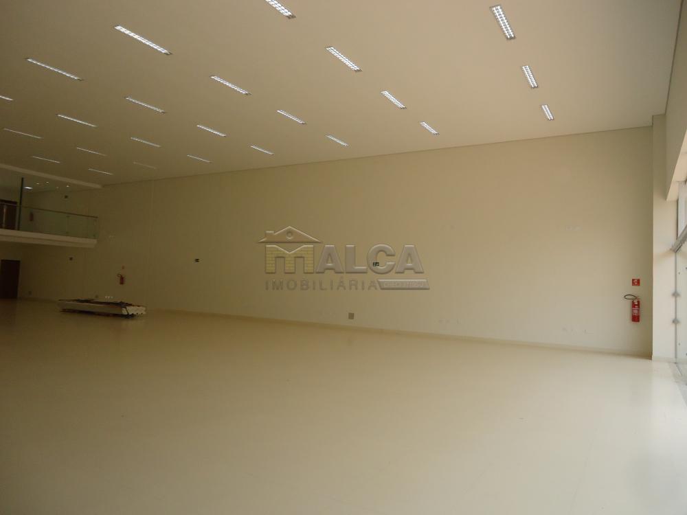 Alugar Comerciais / Salões em São José do Rio Pardo apenas R$ 13.500,00 - Foto 7