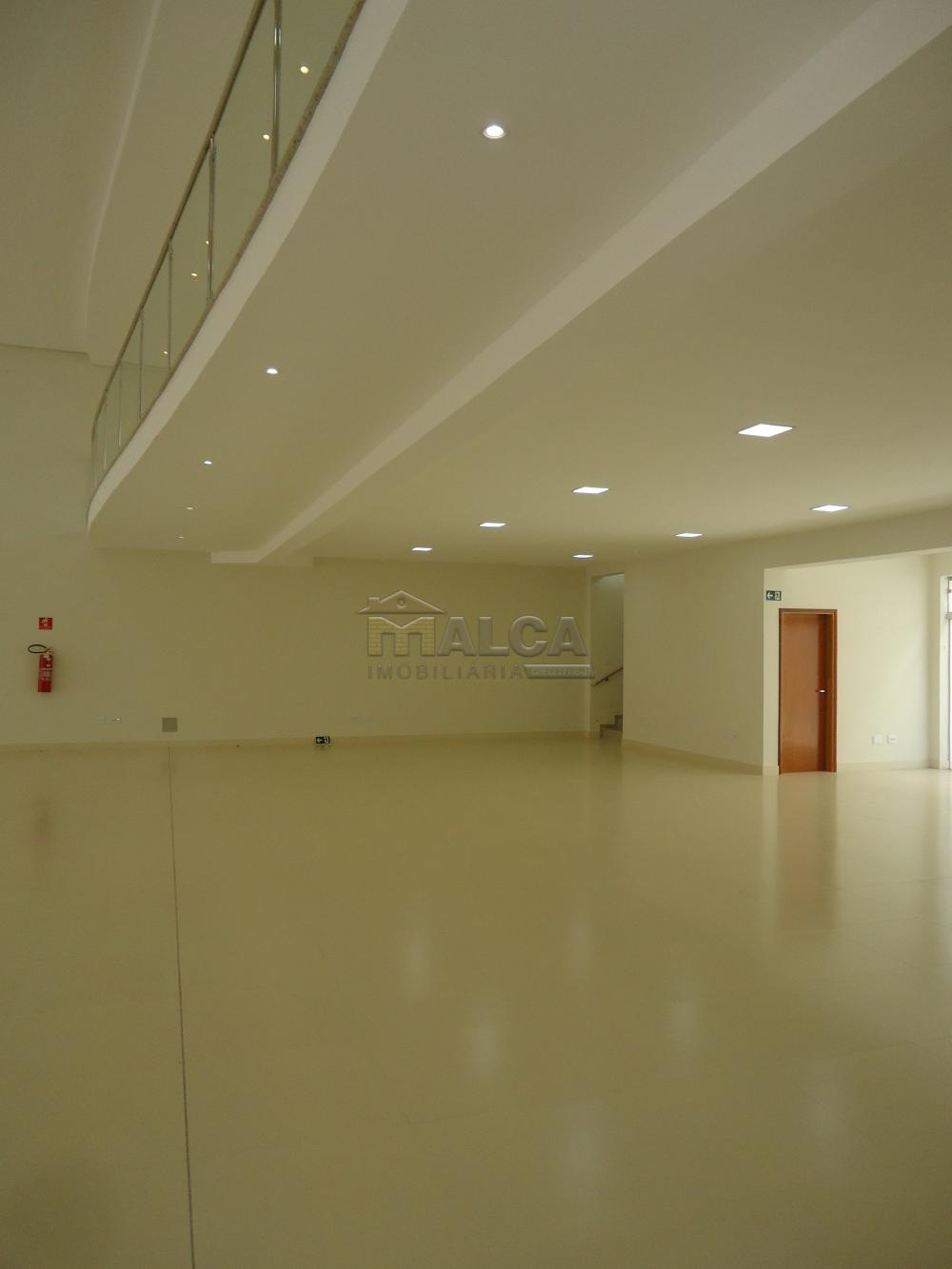Alugar Comerciais / Salões em São José do Rio Pardo apenas R$ 13.500,00 - Foto 17