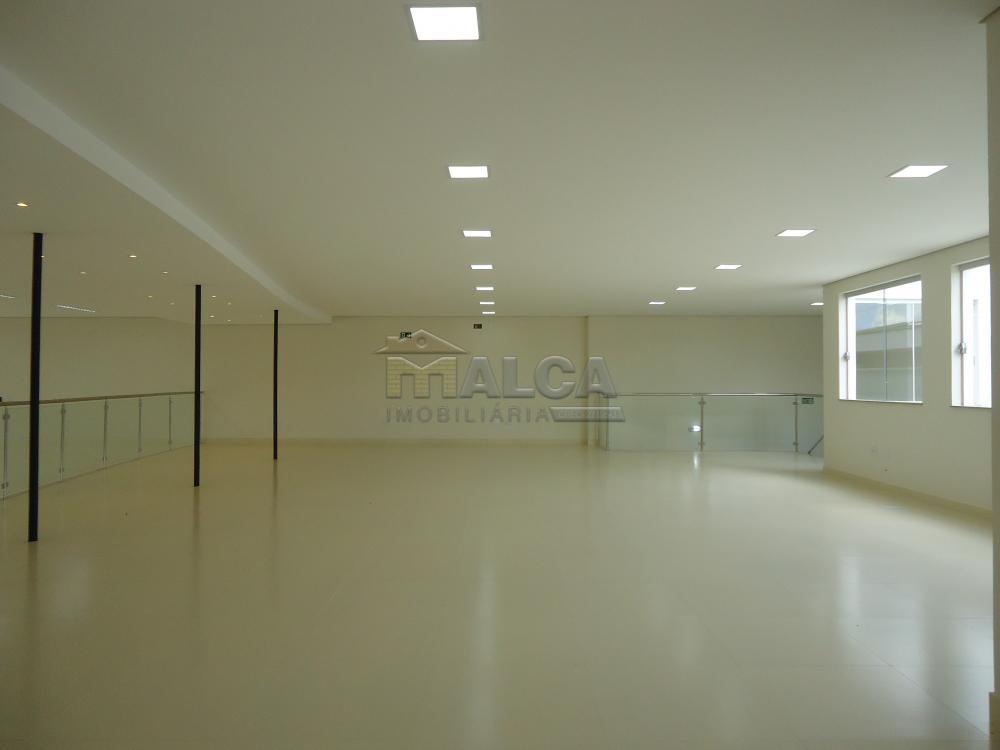 Alugar Comerciais / Salões em São José do Rio Pardo apenas R$ 13.500,00 - Foto 40
