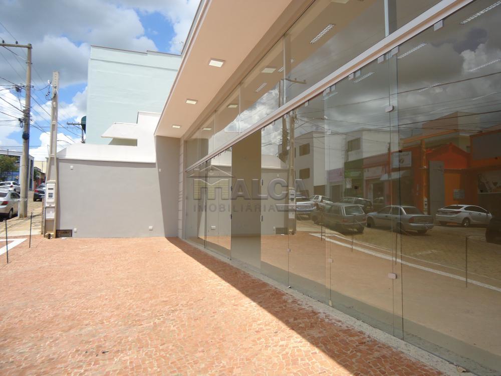 Alugar Comerciais / Salões em São José do Rio Pardo apenas R$ 13.500,00 - Foto 3