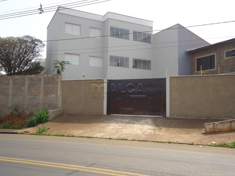 Alugar Apartamentos / Padrão em São José do Rio Pardo R$ 850,00 - Foto 2