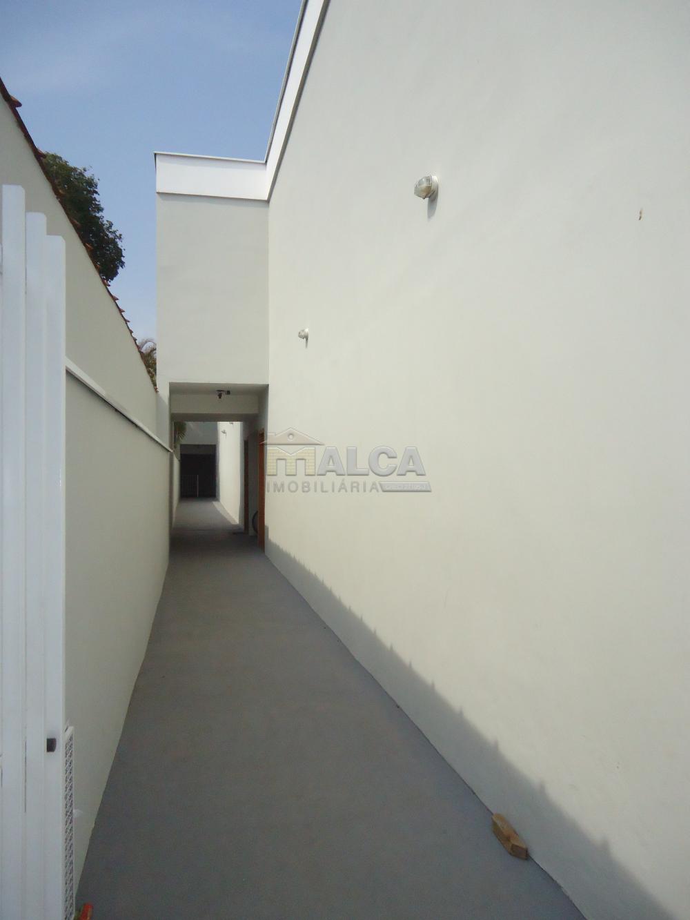 Alugar Apartamentos / Padrão em São José do Rio Pardo R$ 850,00 - Foto 3