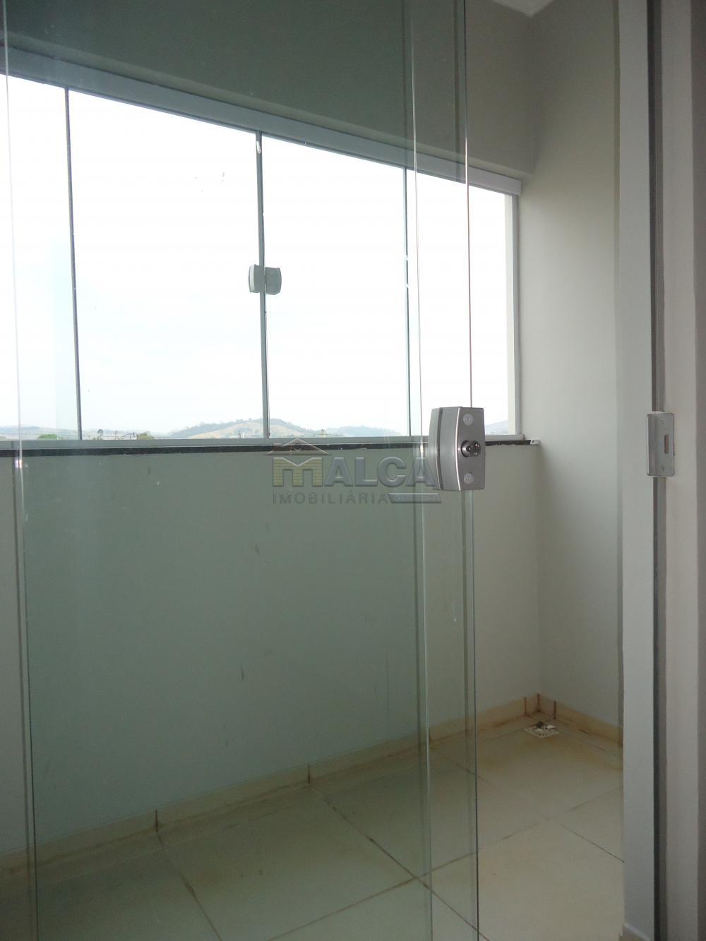 Alugar Apartamentos / Padrão em São José do Rio Pardo R$ 850,00 - Foto 10