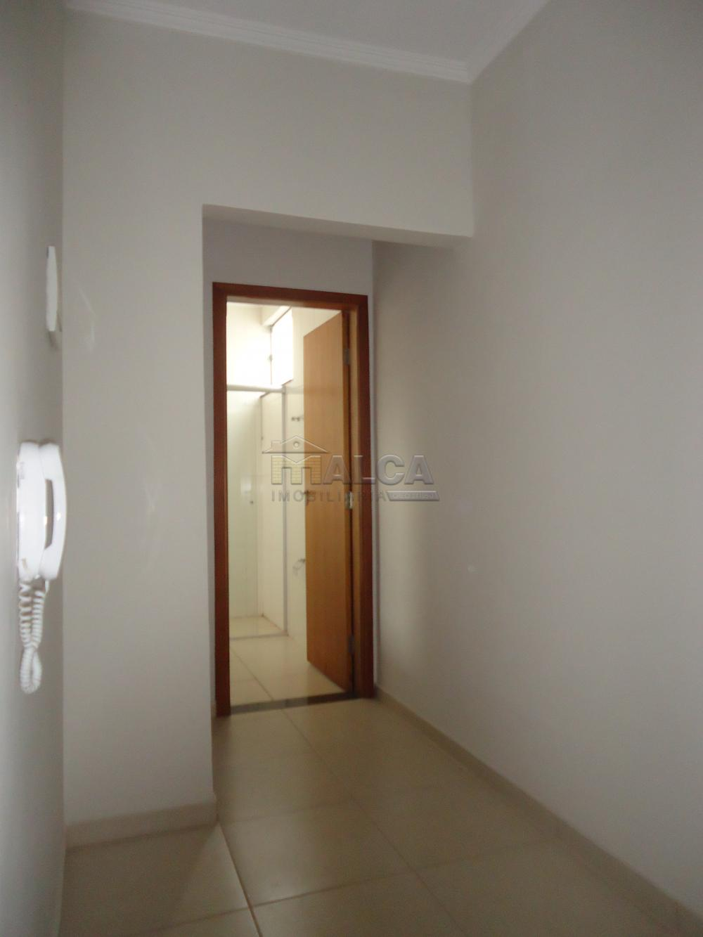 Alugar Apartamentos / Padrão em São José do Rio Pardo R$ 850,00 - Foto 17