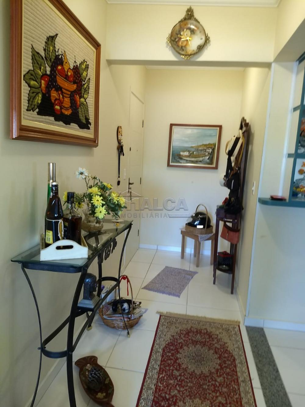 Comprar Apartamentos / Padrão em Poços de Caldas R$ 450.000,00 - Foto 3