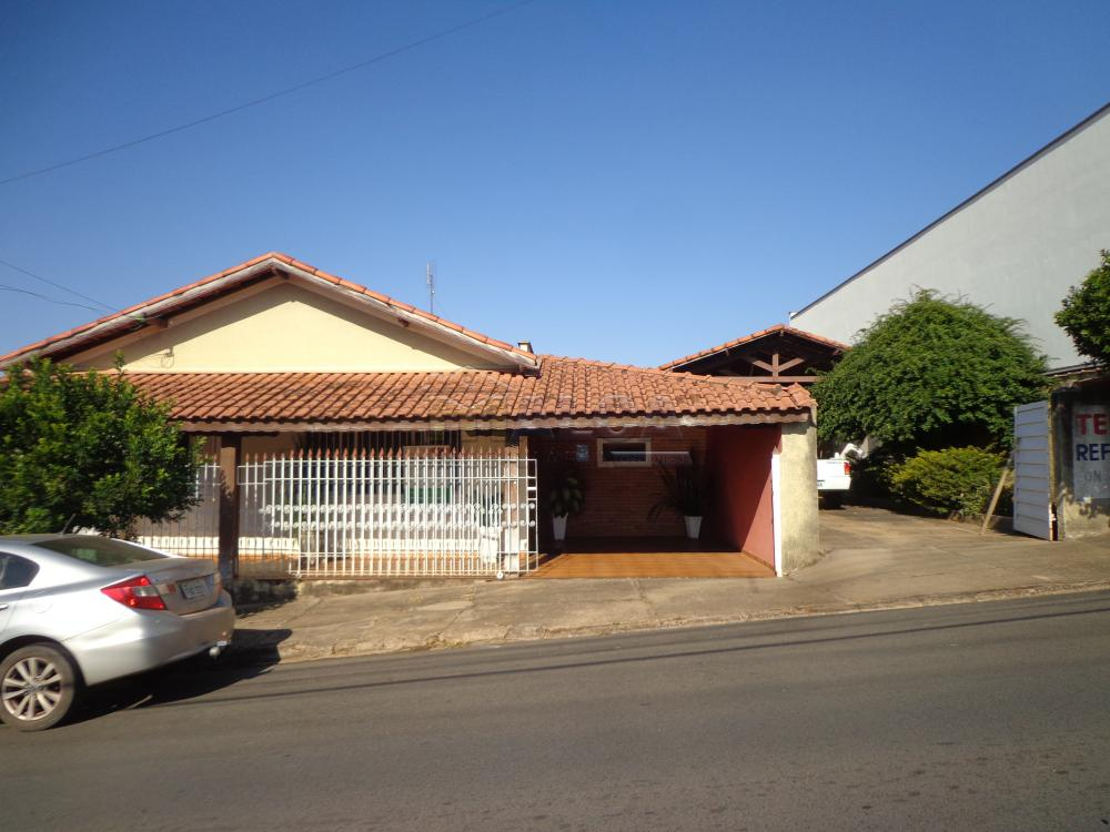 Comprar Casas / Padrão em São José do Rio Pardo R$ 500.000,00 - Foto 1