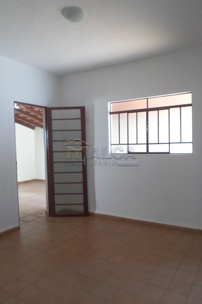 Alugar Casas / Padrão em São José do Rio Pardo R$ 1.300,00 - Foto 16