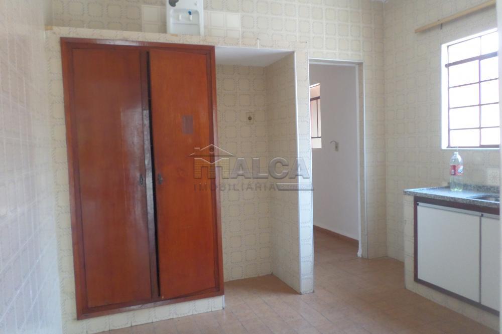Alugar Casas / Padrão em São José do Rio Pardo R$ 1.300,00 - Foto 14
