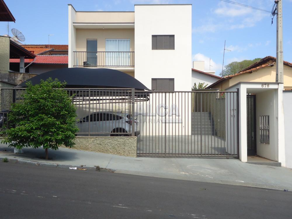 Alugar Apartamentos / Padrão em São José do Rio Pardo R$ 935,00 - Foto 1