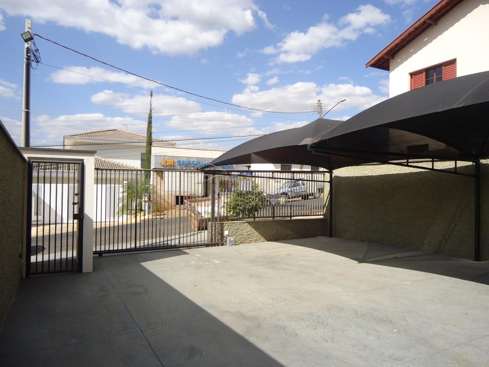 Alugar Apartamentos / Padrão em São José do Rio Pardo R$ 935,00 - Foto 3